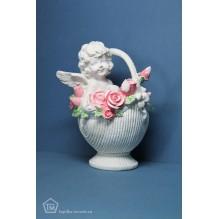 Ангел в корзине роз