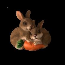 Два кролика с морковкой