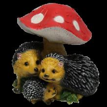 Три ежа под грибом
